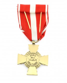 Médaille Croix de la Valeur Militaire Patiné